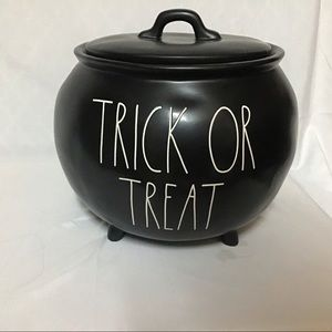 Rae Dunn -Trick-or-Treat Cauldron